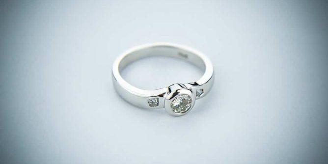 fehérarany jegygyűrű
