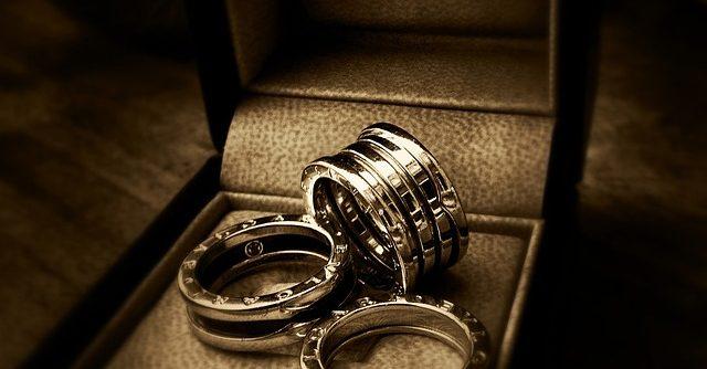Egyszerű a karikagyűrű rendelés